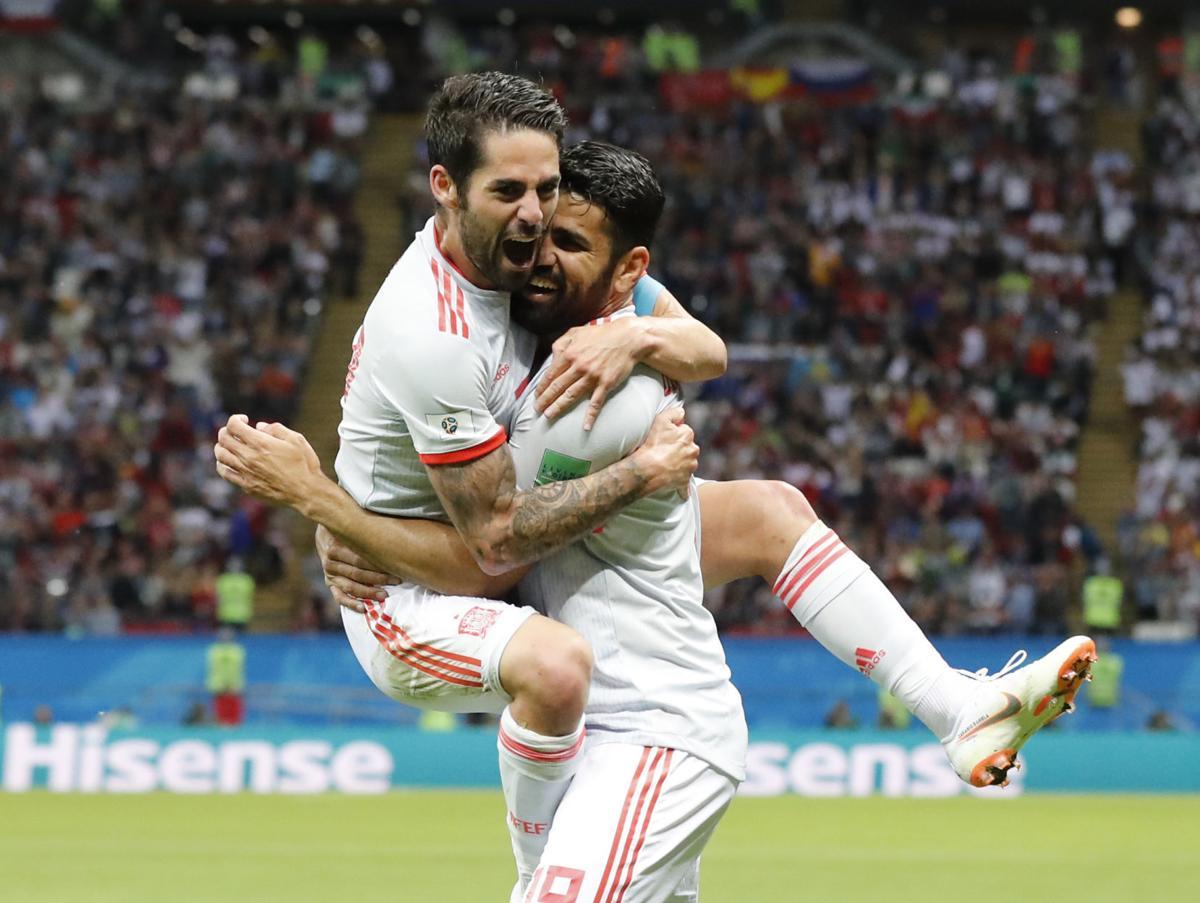 World Cup 2018: Tây Ban Nha vượt qua Iran bằng 1 bàn thắng may mắn