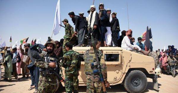 Lực lượng Taliban sát hại cảnh sát Afghanistan sau ngừng bắn