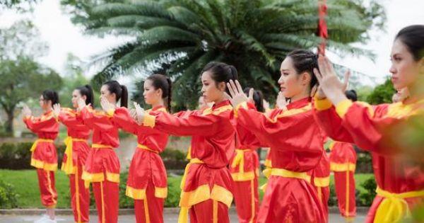 """Thí sinh hoa hậu Việt Nam 2018 tận mắt chứng kiến những màn múa võ """"danh bất hư truyền"""" của vùng đất Bình Định"""