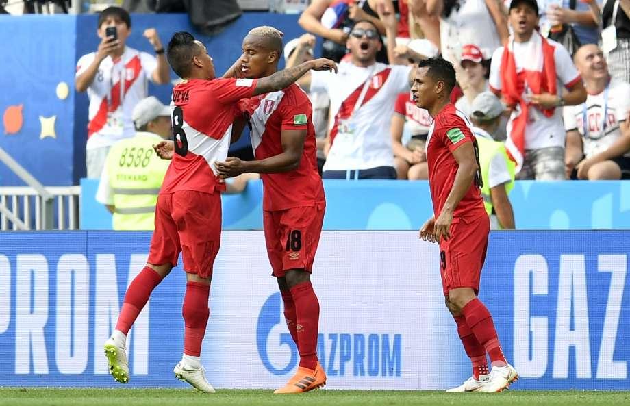 World Cup 2018: Peru giành trận thắng danh dự, loại Úc khỏi giải đấu