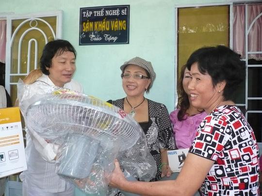 Nghệ sĩ Minh Vương, Thanh Tuấn, Giang Châu không có tên trong danh sách xét NSND