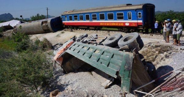 Sau nhiều vụ tai nạn tàu hỏa: Kỷ luật Cục trưởng Đường sắt