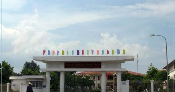 Lãnh đạo tỉnh Bình Thuận nói gì khi cán bộ đươc doanh nghiệp tài trợ đi nước ngoài
