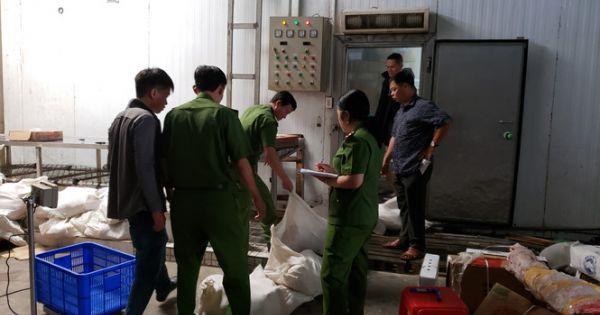 Cần Thơ: Phát hiện hàng trăm kg thực phẩm đông lạnh hết hạn, không rõ xuất xứ