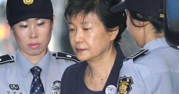 Hàn Quốc: Cựu Tổng thống Park Geun Hye đối mặt thêm án phạt