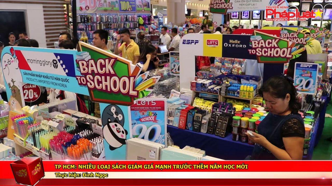 Tp HCM: Nhiều loại sách giảm giá mạnh trước thềm năm học mới