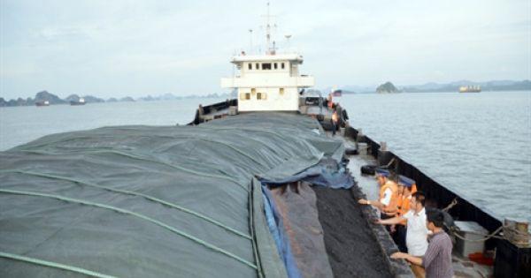 Hải Dương: Tạm giữ tàu chở hơn 600 tấn than không rõ nguồn gốc