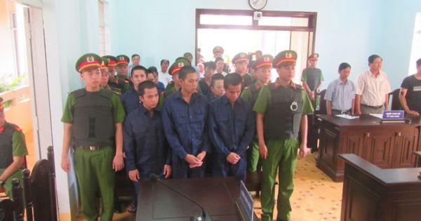 Xét xử 10 bị cáo gây rối trật tự ở Phan Rí Cửa