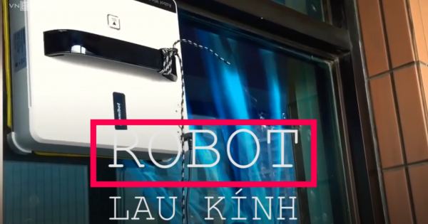 Robot lau kính tự động cho các cao ốc ở Sài Gòn