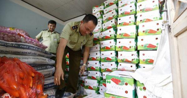 Lâm đồng: Công an phát hiện và tịch thu gần 4 tấn cà rốt Trung Quốc nhập lậu