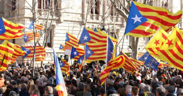 Chính phủ Tây Ban Nha nhóm họp với đại diện Catalonia