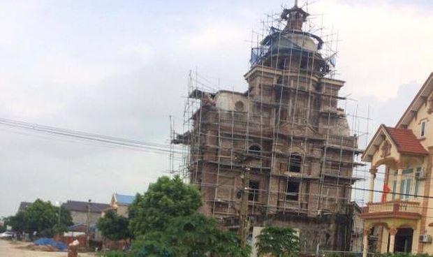 """Biệt thự """"khủng"""" của giám đốc Công ty Hưng Tín sai phạm nhưng chính quyền địa phương không nhìn thấy"""