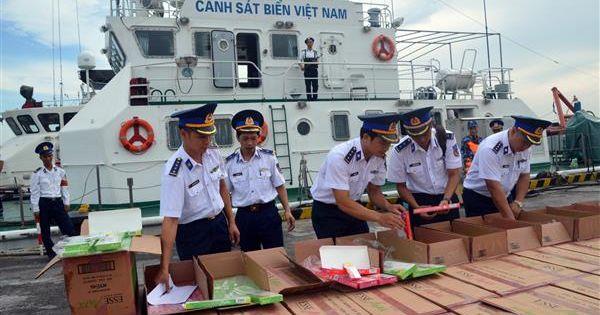 Bộ Tư lệnh Vùng Cảnh sát biển 1 thu giữ gần 68.000 bao thuốc lá lậu trị giá hơn 2 tỷ đồng