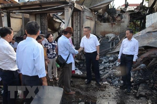 Những tấm lòng hảo tâm hỗ trợ xóm Việt kiều sau gần một tháng xảy ra hỏa hoạn tại Campuchia