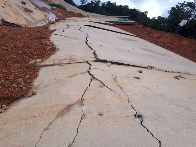 Trận mưa lớn công trình hàng chục tỷ đồng hư hỏng nặng