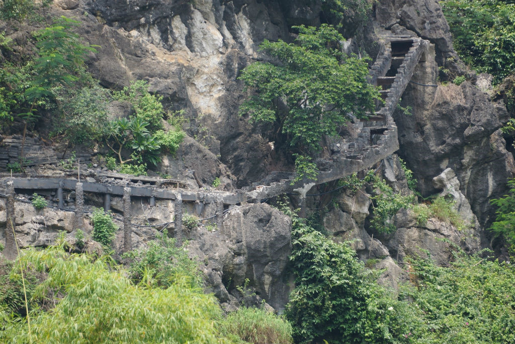 Vụ cầu xuyên lõi Tràng An, UBND tỉnh Ninh Bình yêu cầu 62 cá nhân, tập thể kiểm điểm lại