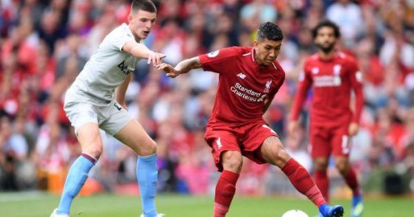 Hàng công bùng nổ, Liverpool lên đầu bảng bằng chiến thắng 4 sao