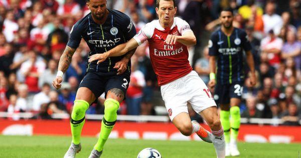 Arsenal chưa vào phom, Man City thị uy sức mạnh