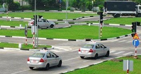 Đề xuất không cấp bằng lái ôtô chính thức cho người vừa đậu