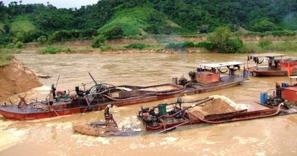 Bình Thuận: Đoàn kiểm tra khai thác cát lậu đến hiện trường nhưng chỉ… đứng nhìn