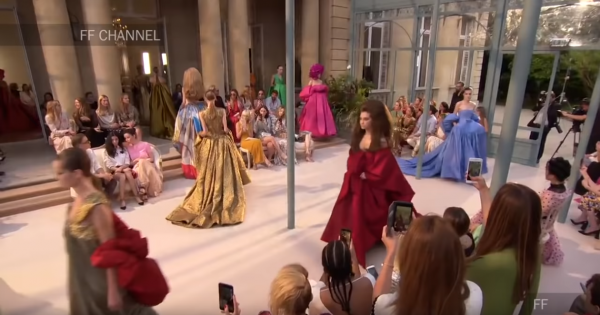 Valentino Haute Couture Fall Winter 2018/2019 Full Show Exclusive