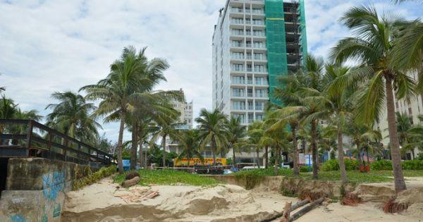 Vỉa hè sạt lở, hàng trăm mét khối cát bị cuốn phăng ra biển Đà Nẵng