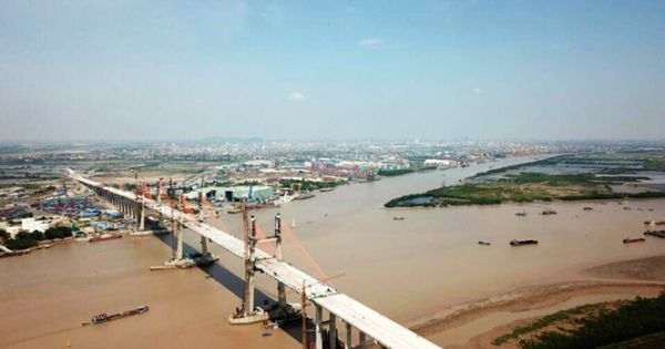 Xử lý nghiêm hành vi trộm cắp hơn 100 tấm lưới chắn rác bằng gang tại cao tốc Hạ Long - Hải Phòng