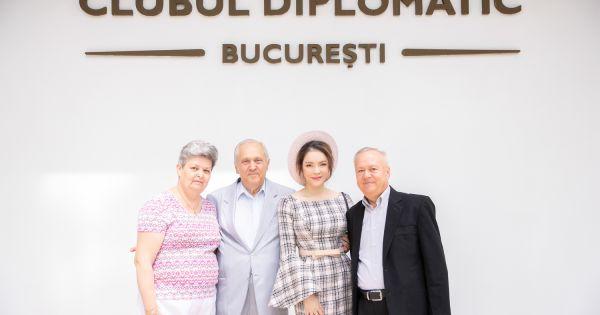 Lãnh sự danh dự Lý Nhã Kỳ lần đầu công du Rumani