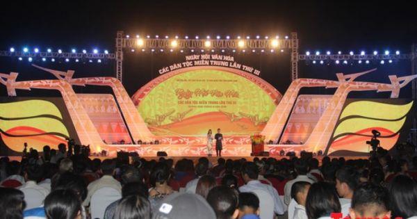 Điểm báo ngày 25/08/2018:Khai mạc Ngày hội văn hóa các dân tộc miền Trung