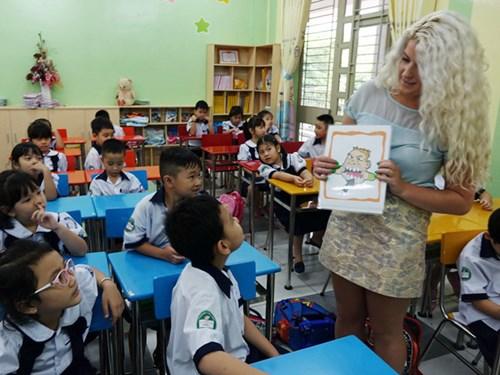 Quy định mới đối với giáo viên nước ngoài dạy ngoại ngữ tại Việt Nam