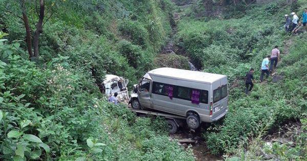 Xe cứu hộ chở xe 16 chỗ lao xuống vực, 2 người tử vong trong cabin