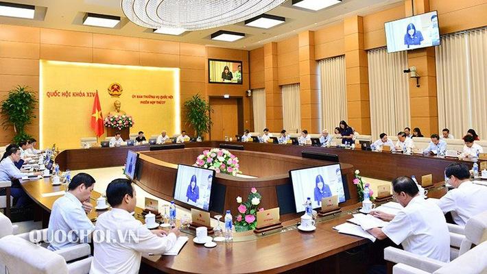 Ủy ban Thường vụ Quốc hội góp ý về tình hình thực thi luật