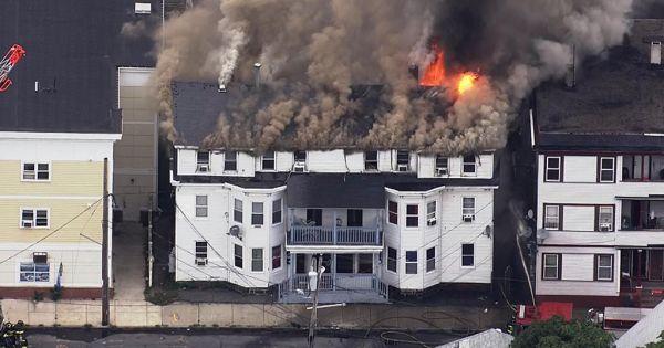 Mỹ: Hàng loạt vụ cháy nổ do rò khí gas tại Boston