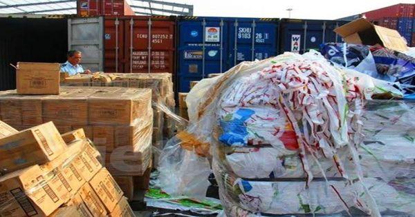Gần 450 container nhựa phế liệu tồn là của một doanh nghiệp vừa bị khởi tố
