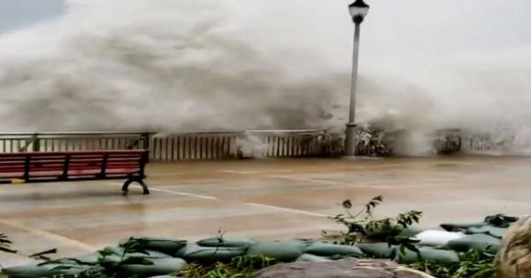 Bão Mangkhut tàn phá dữ dội Philippines,Trung Quốc và Việt Nam
