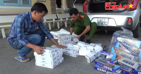Liên tiếp bắt quả tang hai vụ dùng xe taxi và xe lôi kéo vận chuyển hàng cấm tại Kiên Giang