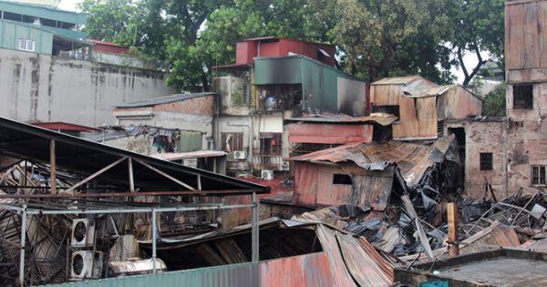 Vụ cháy dãy nhà Đê La Thành: Tìm thấy 2 thi thể và 1 cháu bé 3 tháng còn sống sót