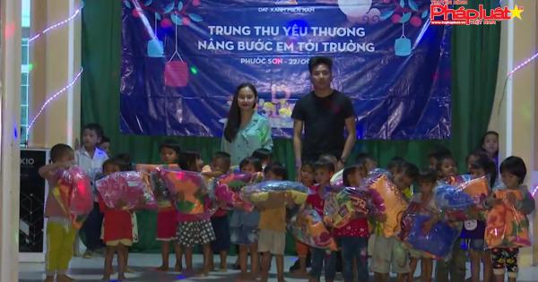 Đêm trung thu ấm áp của trẻ em đồng bào Bhnong