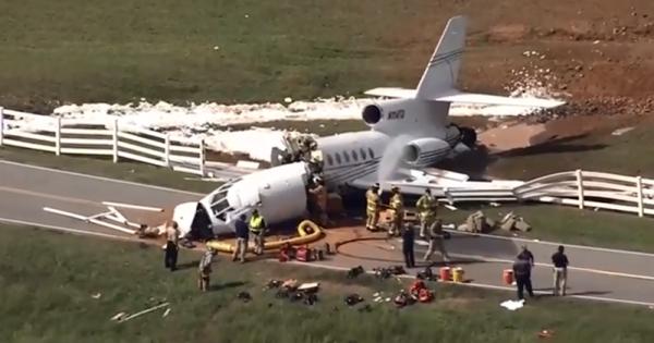 Mỹ: Máy bay trượt khỏi đường băng ở South Carolina, 2 người thiệt mạng
