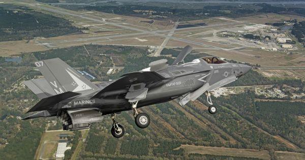 Siêu tiêm kích F-35 của Mỹ lần đầu tiên bị rơi