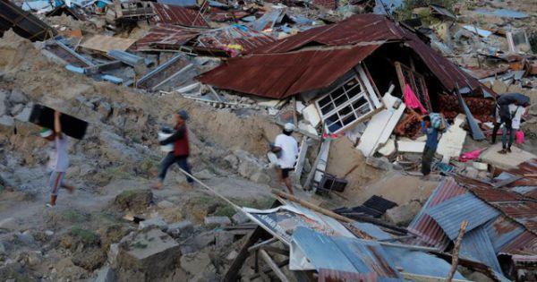 Indonesia: Núi lửa phun trào trên đảo Sulawesi sau thảm họa sóng thần – động đất