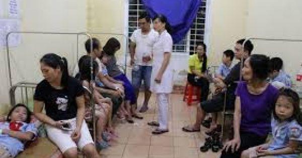 Hàng trăm học sinh ở Ninh Bình nhập viện sau bữa trưa tại trường