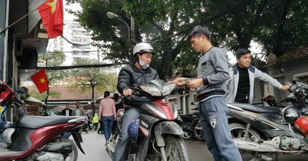 TPHCM: Tăng phí giữ xe máy, ôtô