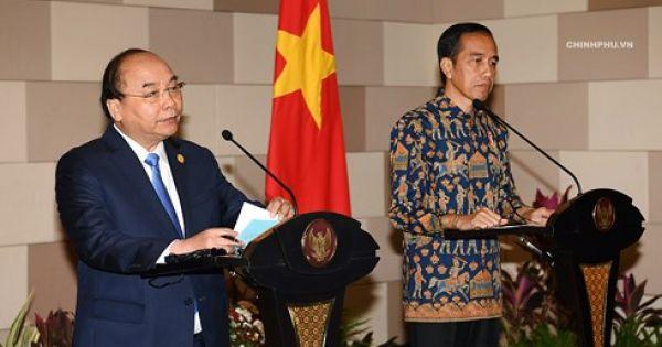 Thủ tướng Nguyễn Xuân Phúc hội đàm với Tổng thống Indonesia