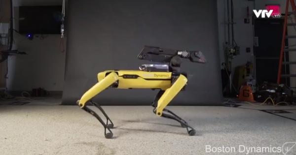 """Robot nhảy theo điệu nhạc """"Uptown Funk"""" của Bruno Mars"""