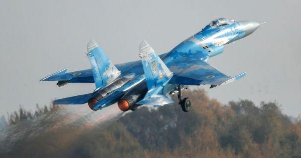 Ukraine: Tiêm kích rơi trong lúc tập trận, 1 phi công Mỹ thiệt mạng