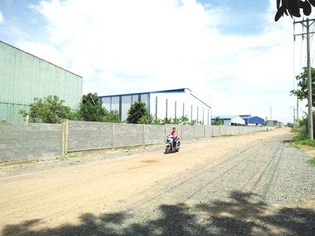 """45 công trình xây dựng không phép trong cụm công nghiệp """"lụi"""" 72 ha"""