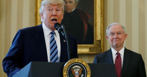 Tổng thống Trump sa thải Bộ trưởng Tư pháp, dọa điều tra ngược đảng Dân chủ