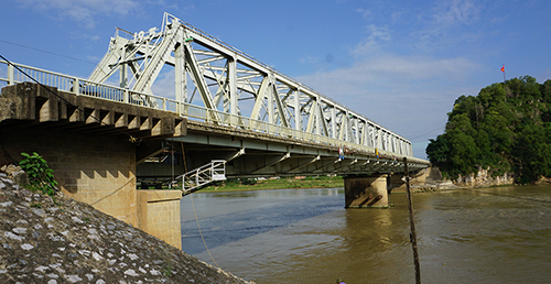 Chân cầu Hàm Rồng sạt lở, nguy cơ mất an toàn đường sắt Bắc Nam