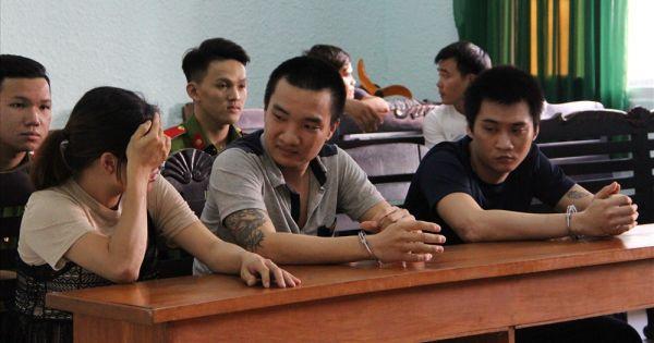 Nhóm buôn lậu lái ôtô tông CSGT Bình Dương lĩnh án